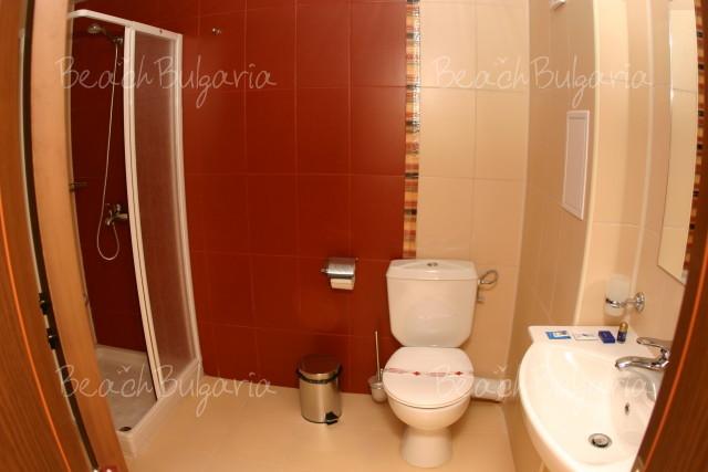 Lola Hotel7