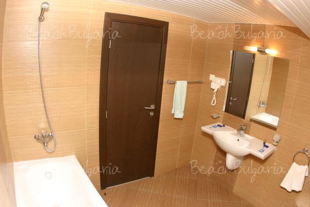 Lola Hotel9
