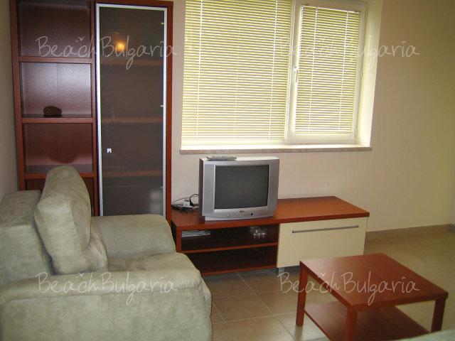 Forum Apartments2
