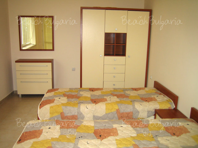 Forum Apartments4