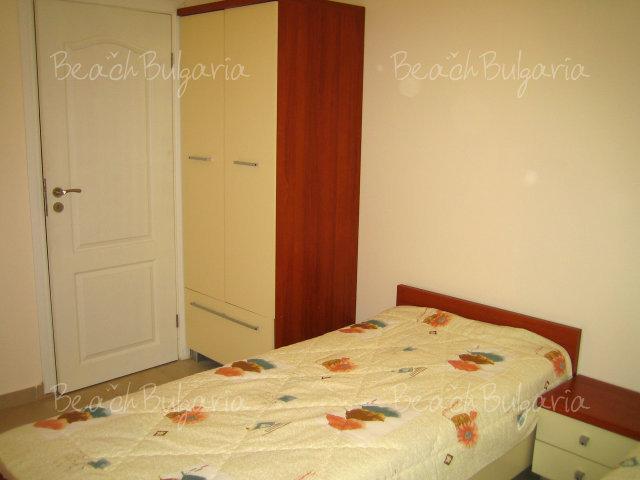 Forum Apartments6