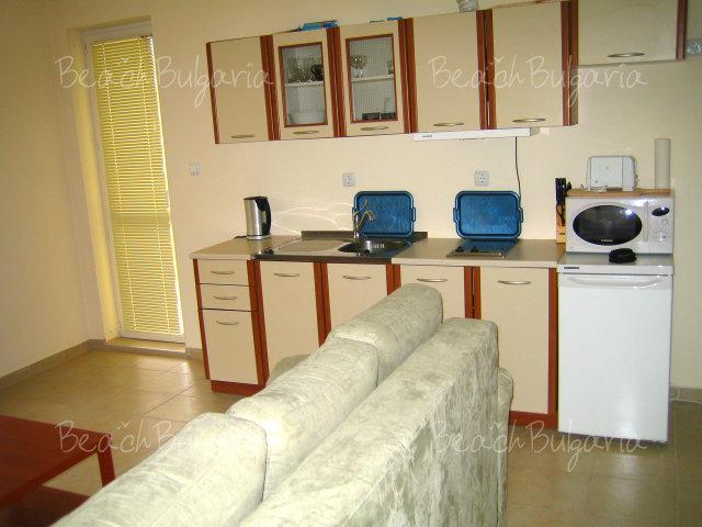 Forum Apartments8
