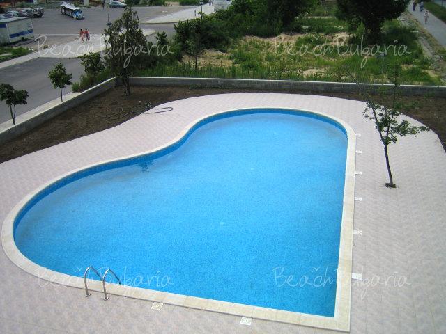 Forum Apartments10