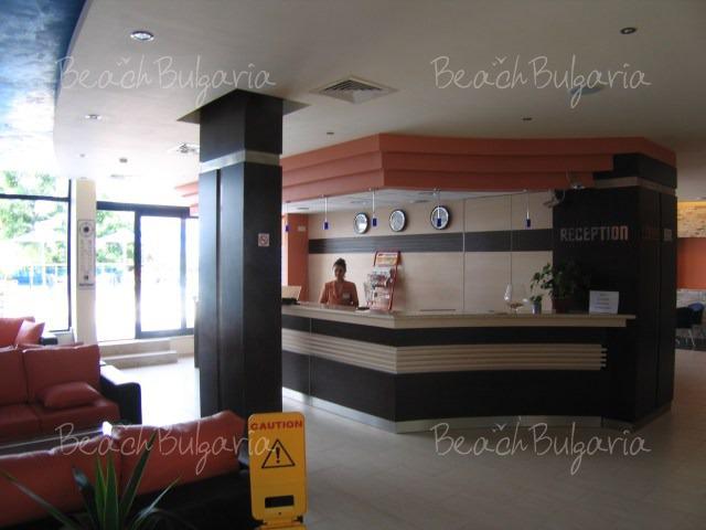 Selena Hotel4