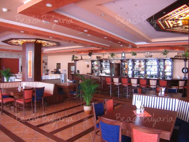 Selena Hotel7