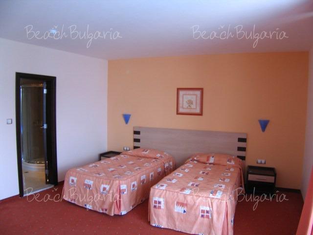 Selena Hotel10