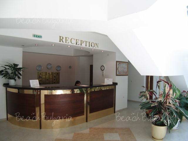 Zebra Hotel 14