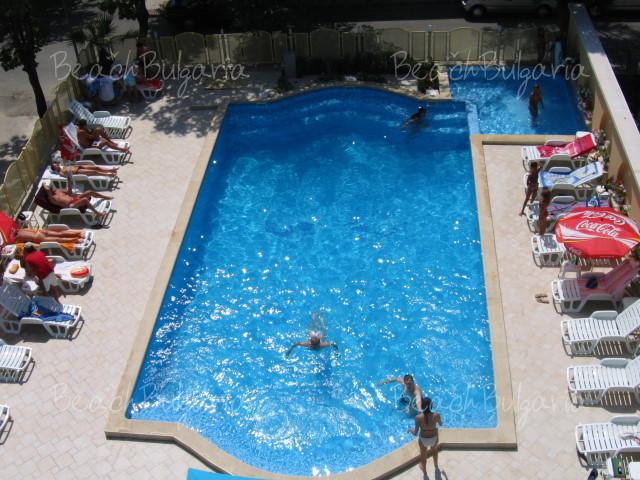 Zebra Hotel 15