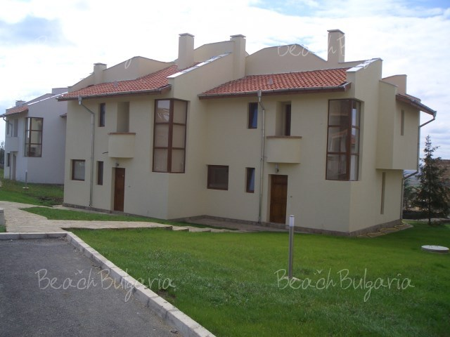Almond Hill Villa2