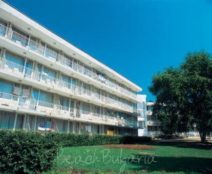 Lora Hotel