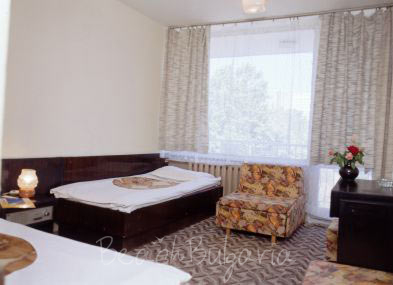 Lora Hotel3
