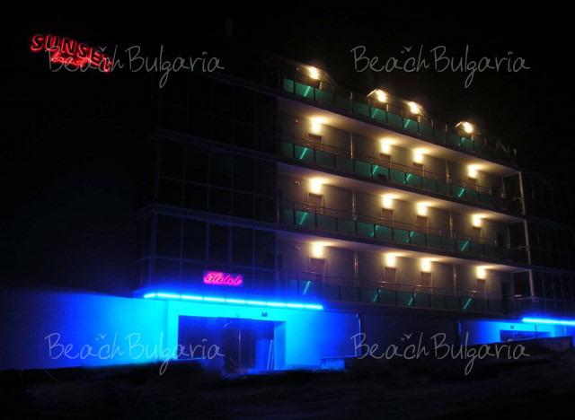 Sunset Beach hotel4