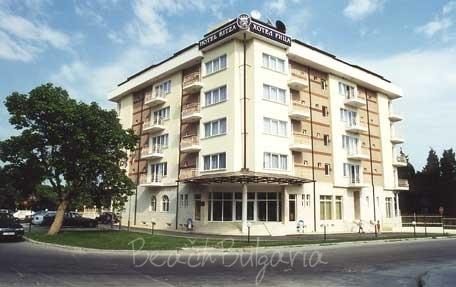 Ritza Hotel2