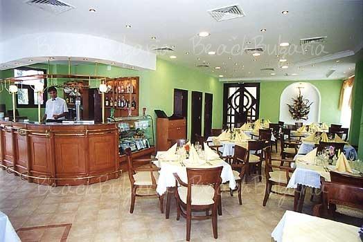 Ritza Hotel3