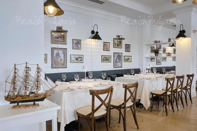 Santa Marina Holiday Village12