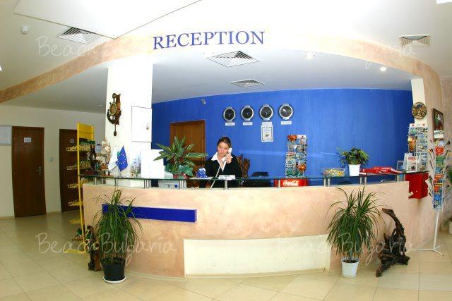 Sunny Hotel2