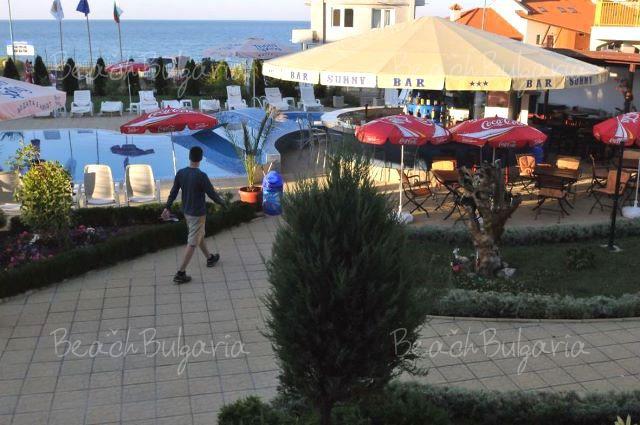 Sunny Hotel11