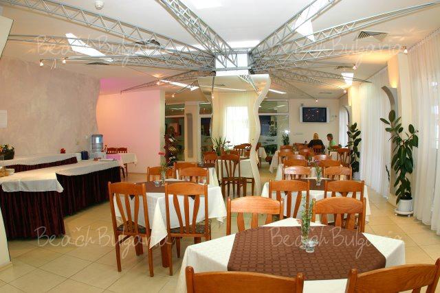 Sunny Hotel5