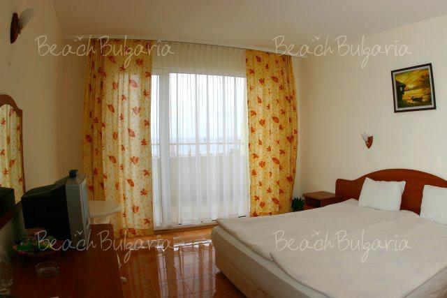 Sunny Hotel6