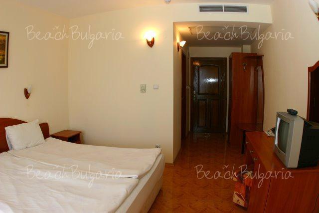 Sunny Hotel7