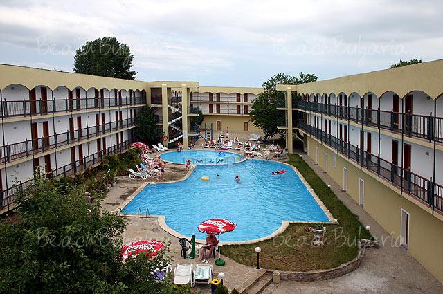 Amphora Hotel2