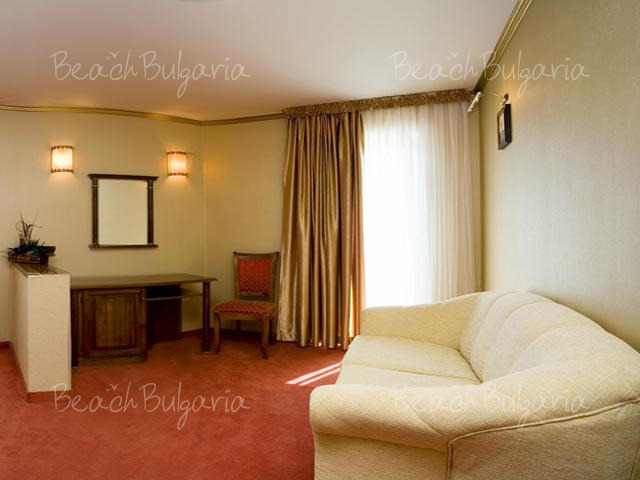 Mistral Hotel9