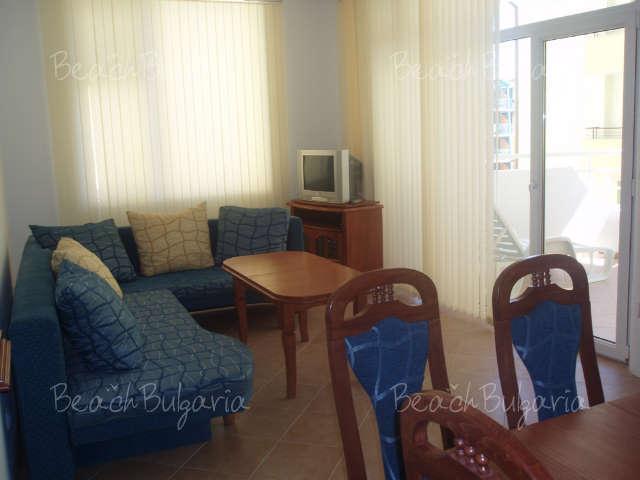 Barco Del Sol Apartments6