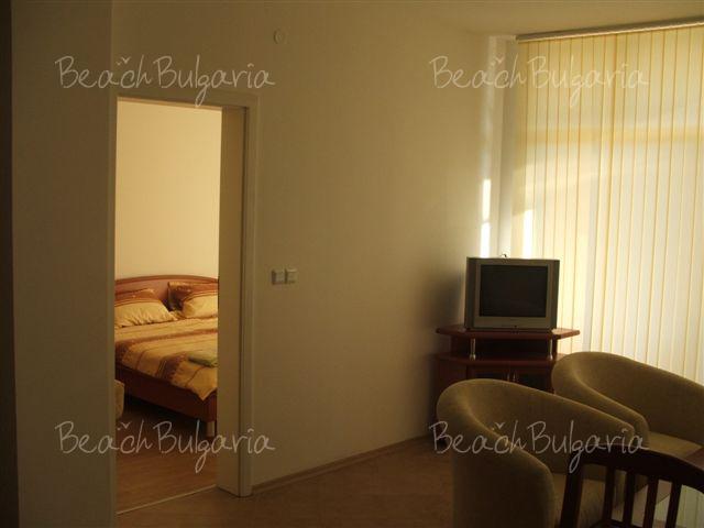 Barco Del Sol Apartments8
