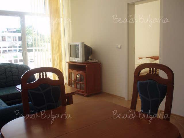 Barco Del Sol Apartments9