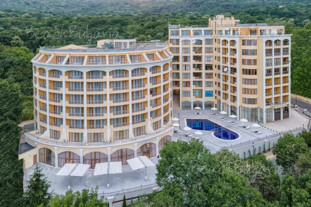 - 20 % discount until 31 Jan 2015 & - 15 % until 31 March 2015 & - 10 % until 30 April 2015;